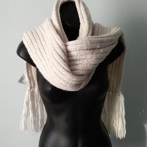 H&M Opulent Wool Blend Scarf NWOT